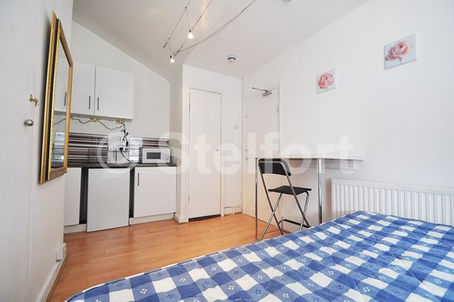 Studio to rent in Commercial Road, Tower Hamlets, Limehouse, East London