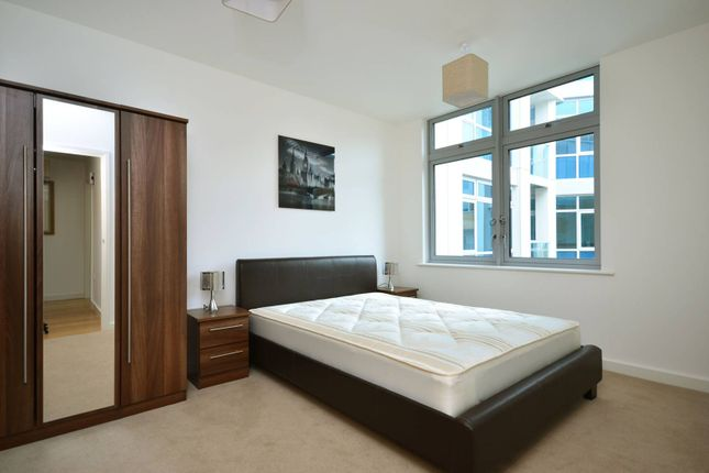 Thumbnail Flat to rent in Caspian Apartments, Limehouse