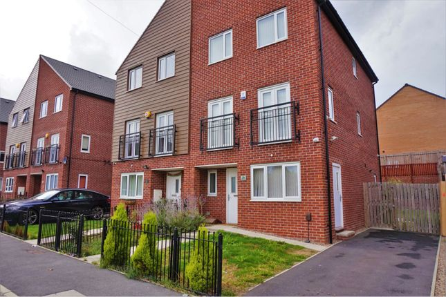 Thumbnail Semi-detached house to rent in Thorn Walk, Leeds