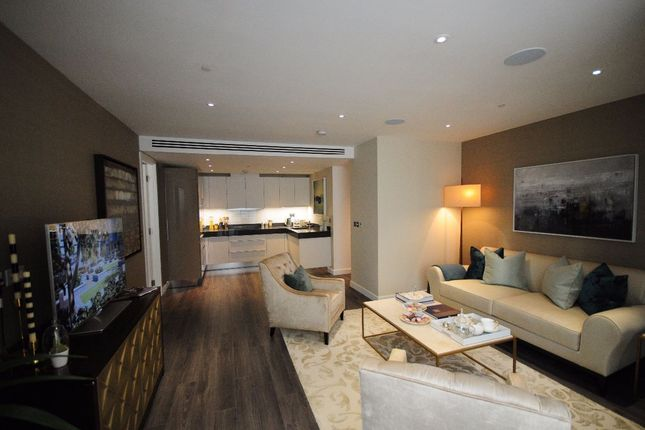 Thumbnail Flat for sale in Leman Street, London