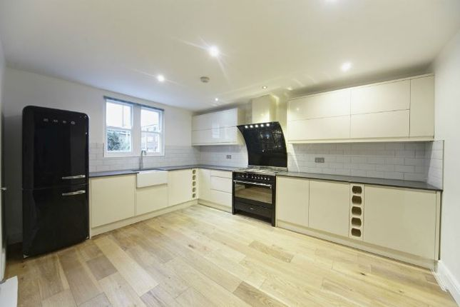 Thumbnail Terraced house to rent in Chilton Street, London