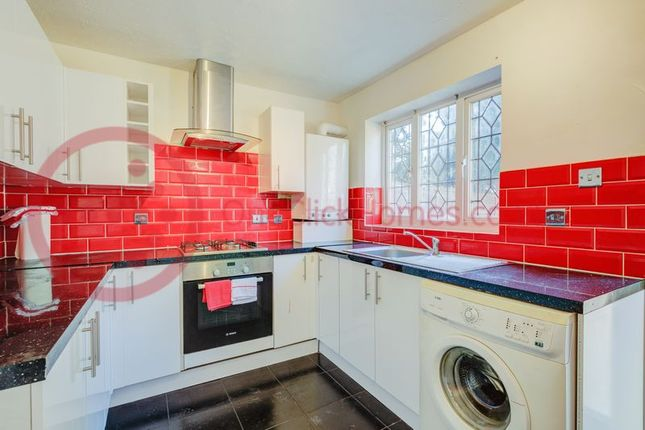Thumbnail Terraced house for sale in Goldwing Close, London