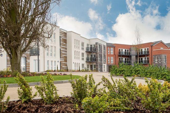 Flat for sale in Park Road, Hagley, Stourbridge