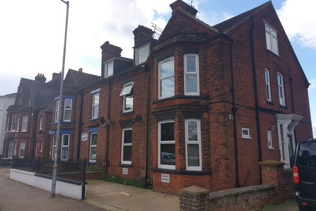 Flat 3, 37 Wellesley Road, Great Yarmouth, Norfolk, Nr30 1EU  (7)