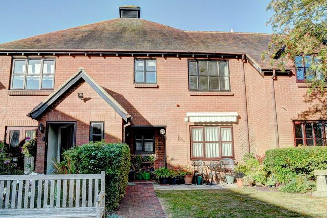 Thumbnail Flat to rent in Orchard Walk, Watlington