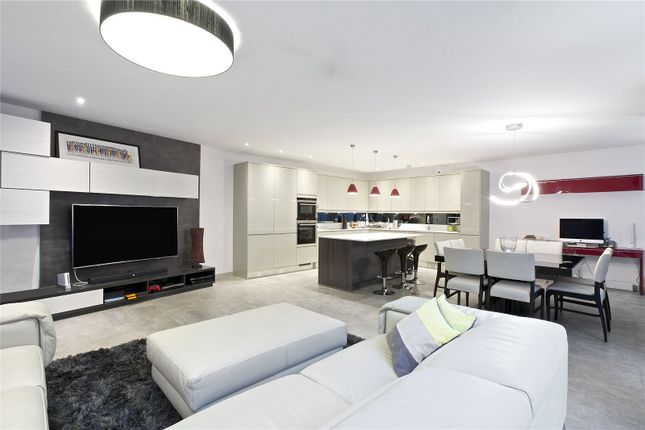 Thumbnail Property for sale in Beethoven Street, Queens Park, London