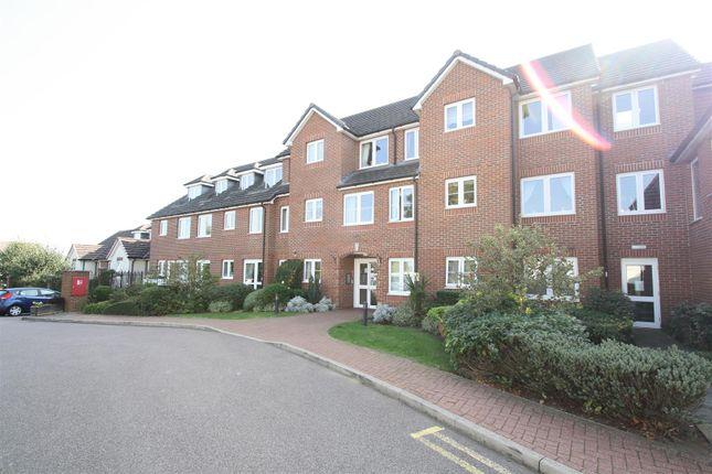 Flat for sale in Aylesbury Street, Bletchley, Milton Keynes