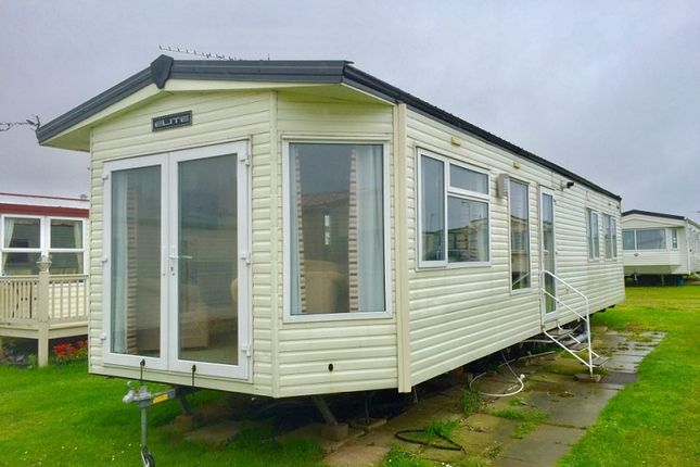 Thumbnail Mobile/park home for sale in California Cliffs Holiday Park, Great Yarmouth, Norfolk