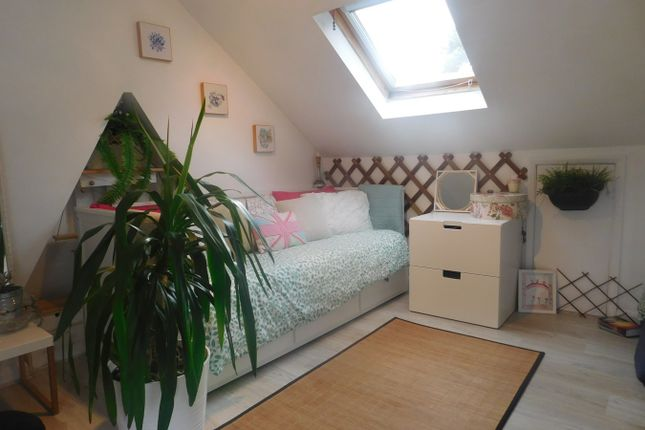 Thumbnail Flat to rent in Eccleston Road, West Ealing, London