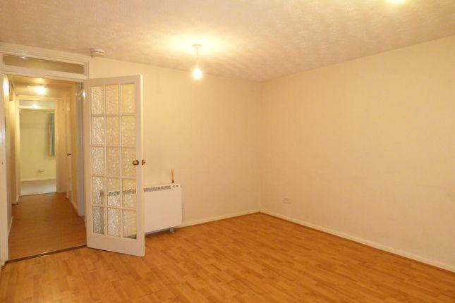 Flat to rent in Frensham Way, Harborne, Birmingham