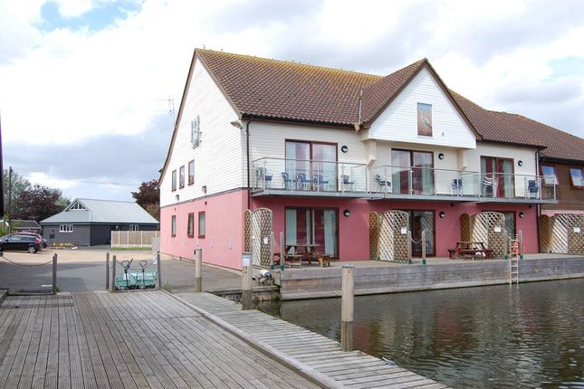Thumbnail Town house for sale in Ferry Road, Horning, Norwich