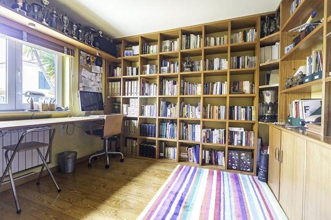 Office of Alcabideche, Cascais, Portugal, 2645-103
