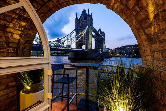 Thumbnail Flat for sale in The Riverside Apartment, Anchor Brewhouse, 50 Shad Thames, London