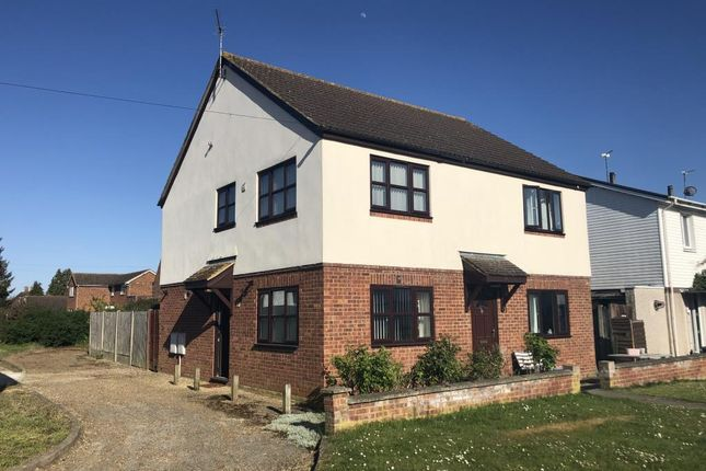 2 bed semi-detached house to rent in Patterson Road, Aylesbury HP21