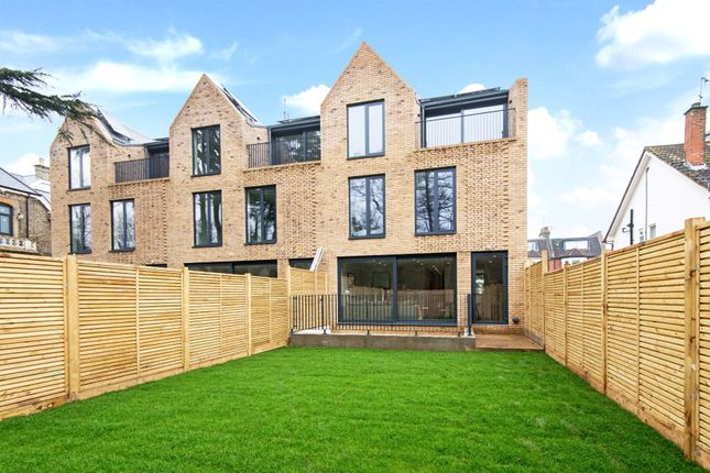 Thumbnail Flat for sale in Eastern Road, Fortis Green, London