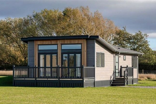 Thumbnail Mobile/park home for sale in Hoburne Naish, Barton On Sea