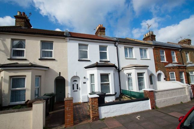 2 bed property to rent in Bourne Street, Eastbourne