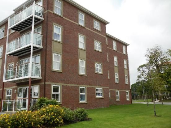Thumbnail Shared accommodation to rent in Windsor Court, Aughton