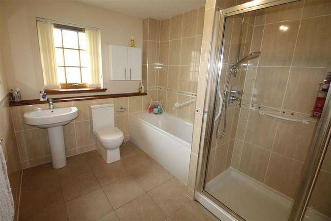 Family Bathroom of Mansefield Park, Kirkhill, Inverness IV5