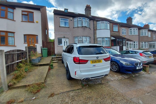 4 bed terraced house to rent in Seymer Road, Essex RM1