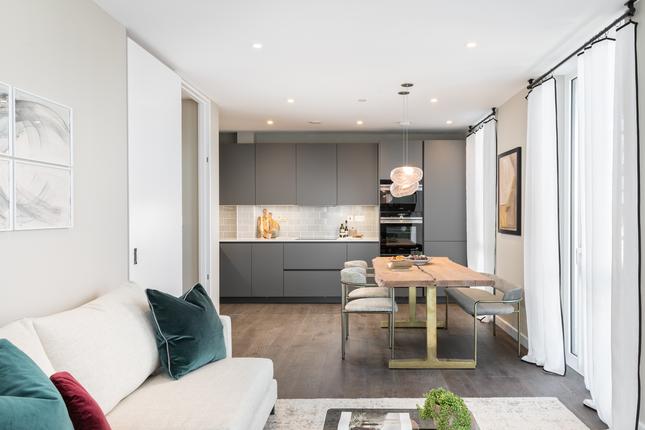 Thumbnail Flat for sale in Bollo Lane, London
