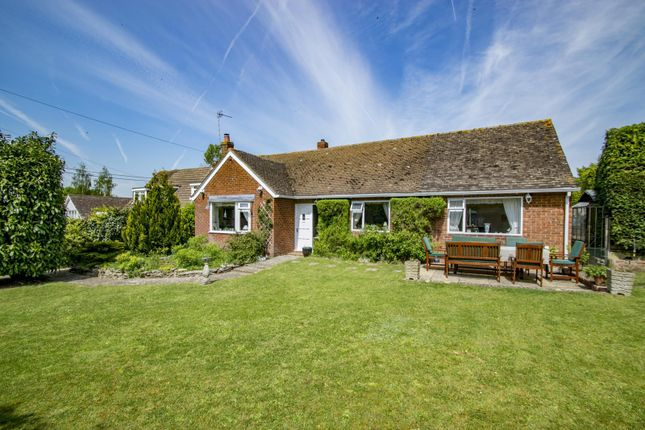 Thumbnail Detached bungalow for sale in Cross Keys Road, South Stoke, Reading