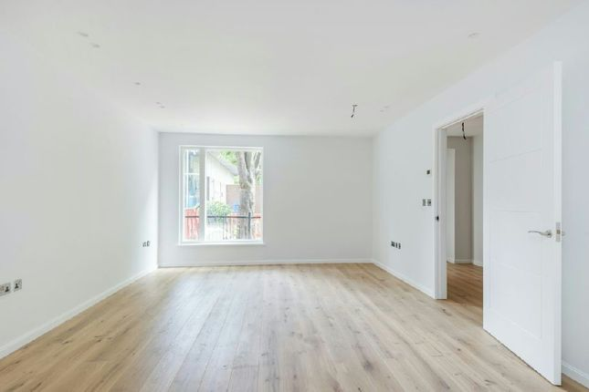 Thumbnail Flat for sale in Trinity House, Crayford Road, Tufnell Park