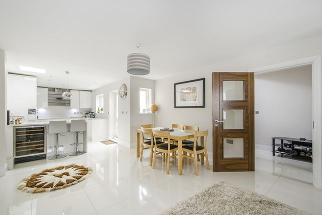 Thumbnail End terrace house to rent in 2 Flutemakers Mews, London