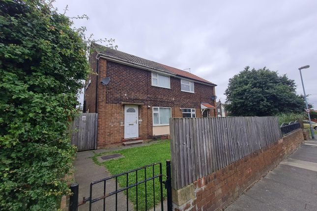 2 bed semi-detached house to rent in Woodside, Castleford WF10