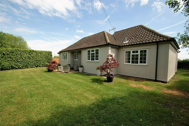 Thumbnail Detached bungalow for sale in Keers Green, Dunmow