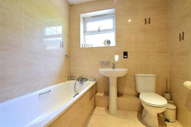 Bathroom of Upper Hollingdean Road, Brighton, East Sussex BN1