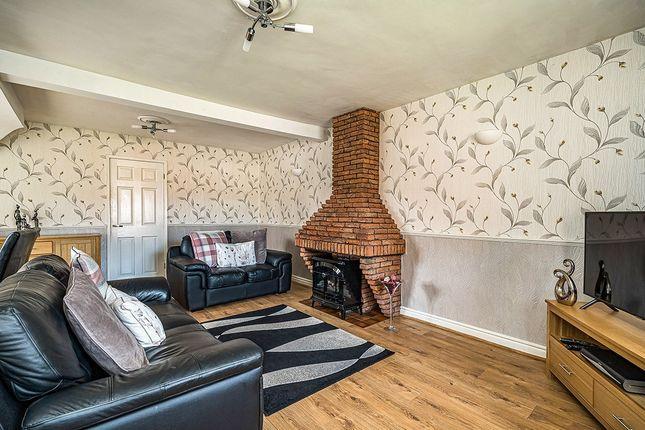 Living Room of Hillside Road, Dudley, West Midlands DY1
