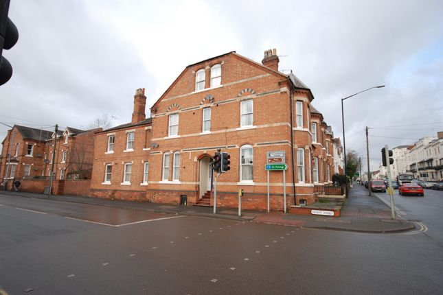 Thumbnail Terraced house to rent in Regent Street, Leamington Spa, Warwickshire