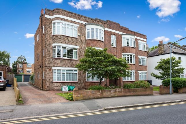3 bed flat for sale in Wanstead Place, London E11