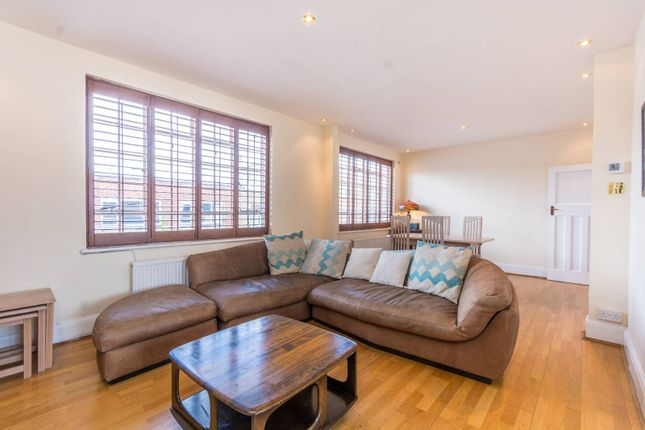 Thumbnail Flat for sale in Baron Street, Islington, London
