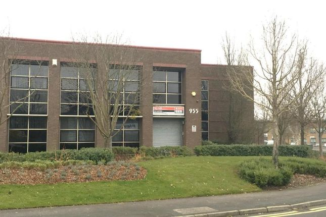 Industrial to let in 955 Yeovil Road, Slough