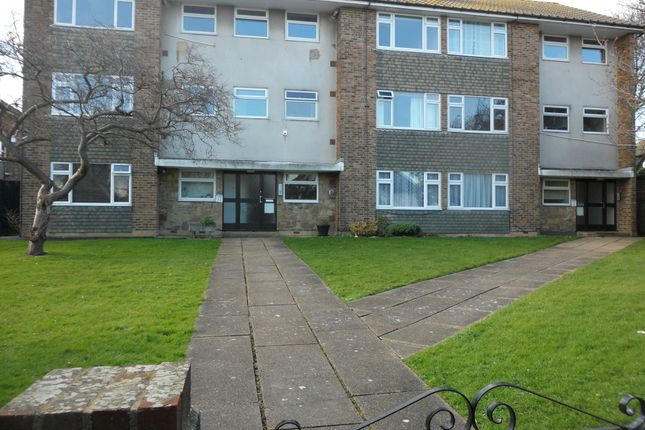 Thumbnail Flat to rent in Ocklynge Avenue, Eastbourne