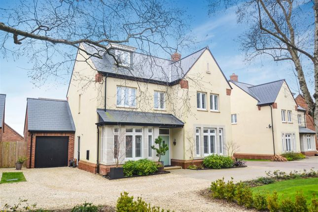 Thumbnail Detached house for sale in Hart Walk, Upper Heyford, Bicester