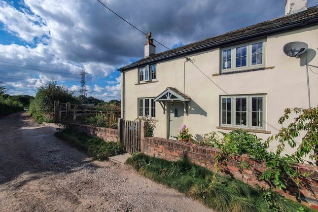 Thumbnail Cottage for sale in Rural Farm Cottage, Chadderton