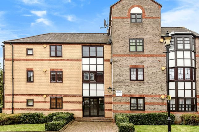 Thumbnail Flat for sale in Rose Walk, Reading