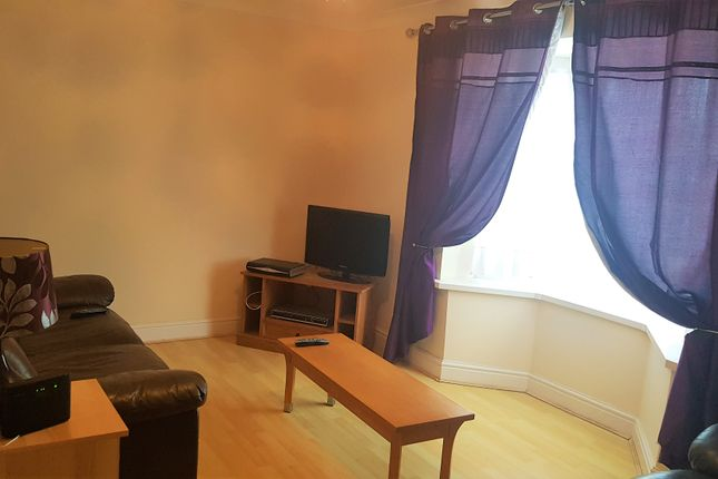Thumbnail Flat to rent in London Road, Pembroke Dock