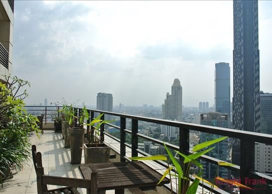 3 bed apartment for sale in Bargain Penthouse In Sathorn