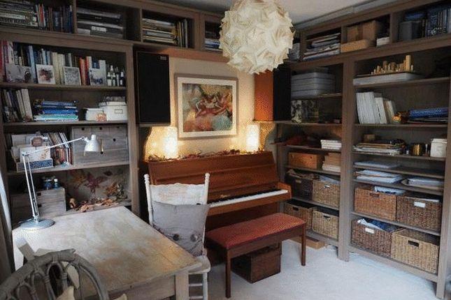 Lounge-Study Area