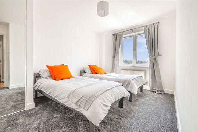 Thumbnail Flat to rent in Kingsquarter, Maidenhead, Berkshire
