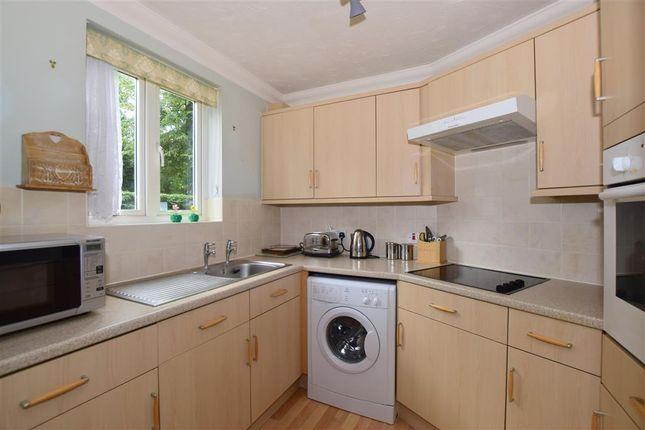 Thumbnail Flat for sale in Cavendish Road, Sutton, Surrey