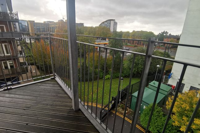 Photograph 9 of Elmira Way, Salford M5