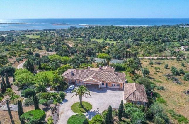 Thumbnail Property for sale in Imposing Villa In Lagos, Odiáxere, Odiáxere, Lagos, Algarve, Portugal