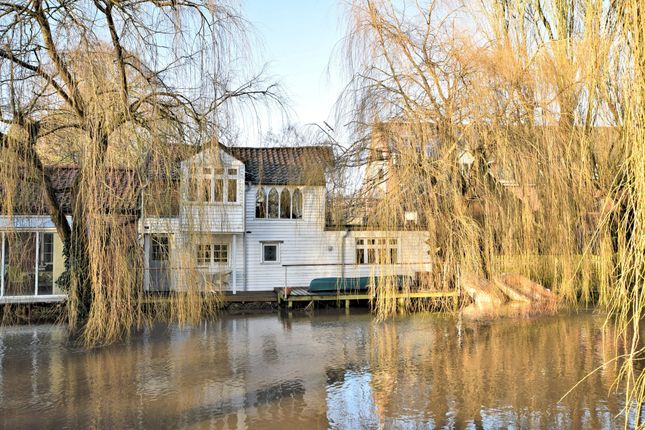 Thumbnail Cottage for sale in Mill Reach, Buxton, Norwich
