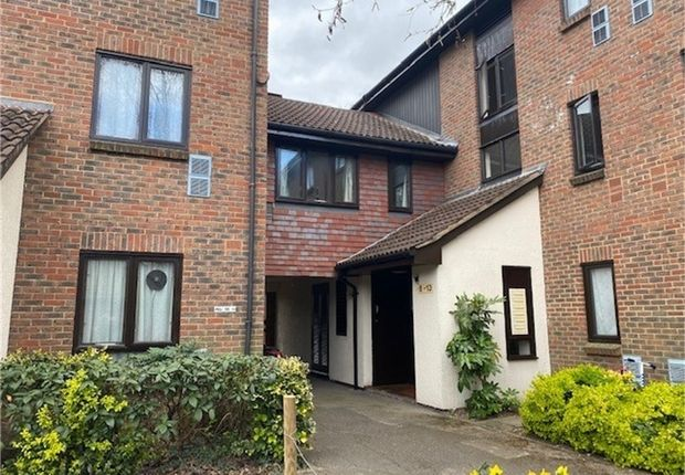 Studio for sale in Braybourne Drive, Osterley, Middlesex TW7