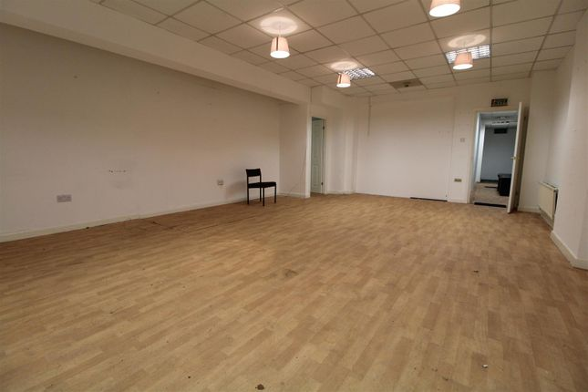 Thumbnail Property to rent in Long Street, Middleton, Manchester